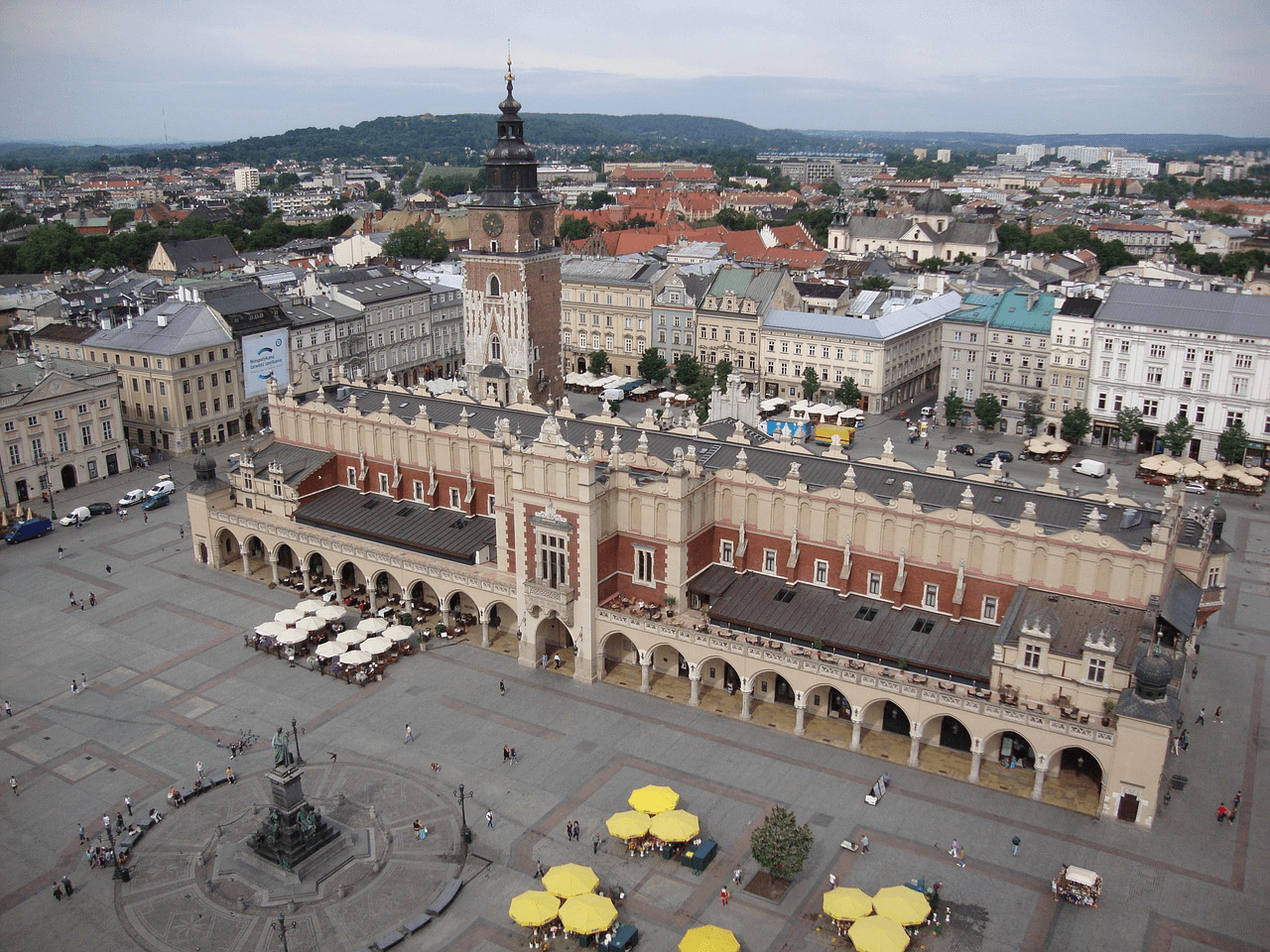 Cheap flights to Krakow from Oslo starting from 31 Eur for return trip