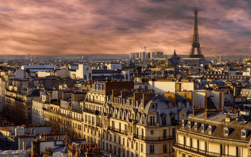 Romantic city break: Stockholm to Paris starting from 20 Eur for return flight