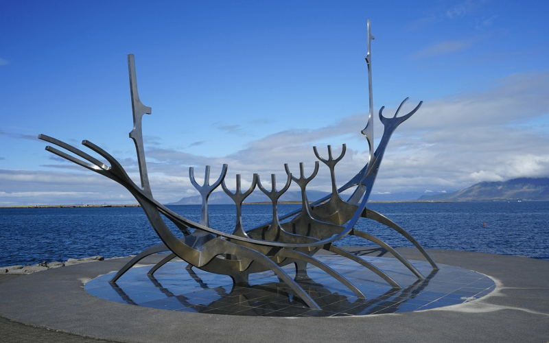 Cheap flights to Iceland from Amsterdam starting from 106 Eur for return flight