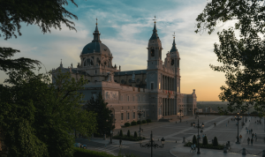 Low priced flights from Copenhagen to Madrid from 30 Eur