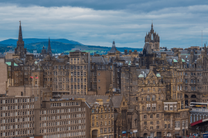 Cheap direct flights from Tallinn to Edinburg start from €26