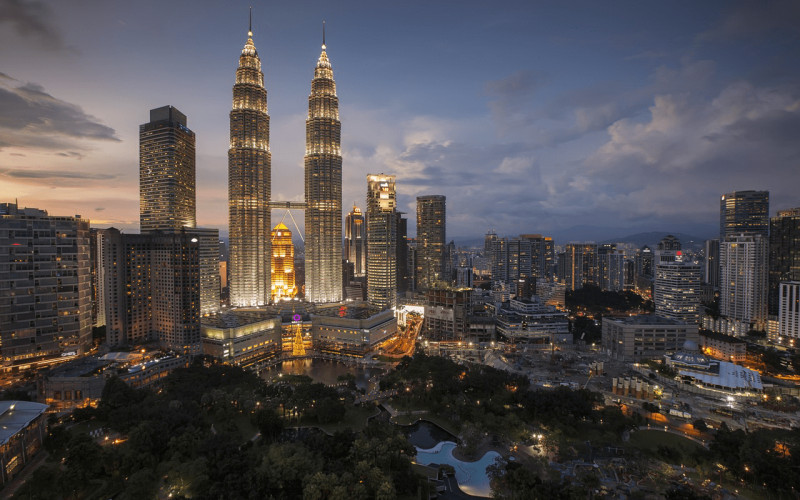 Best price for flights from Riga to Kuala Lumpur start from €494